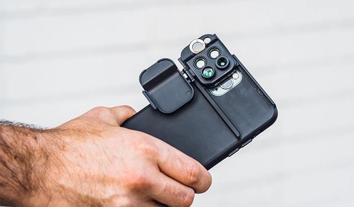 カメラをさらに本格的にするiPhone11(Pro)ケースShiftCam