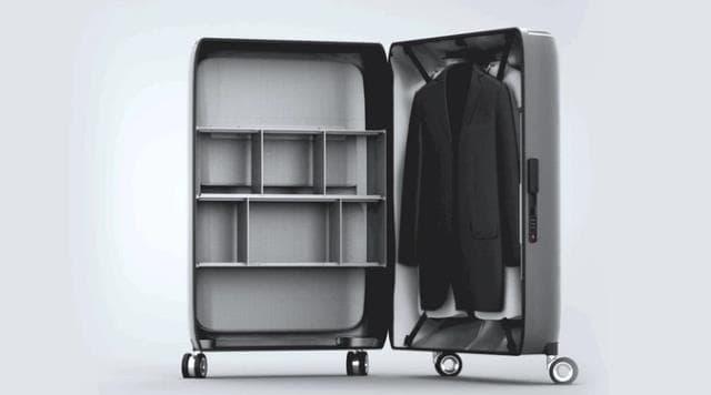 世界初縦開けスマートスーツケースSkyTrek