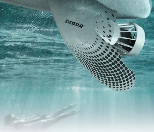 すべてサーフィンボードを電動にするBoost Surfing Fin